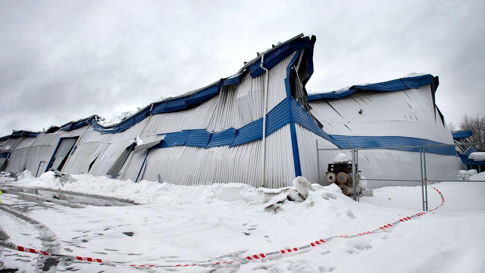 Lageret i Raufoss raste sammen i april i fjor.