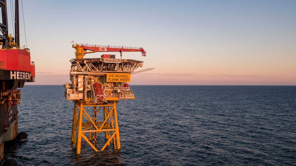 Her er plattformdekket til Valhall Flanke Vest installert i Nordsjøen.