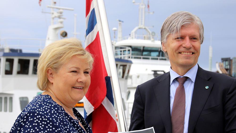 Statsminister Erna Solberg (H) og klima- og miljøminister Ola Elvestuen (V) presenterte regjeringens handlingsplan for grønn skipsfart sist uke.