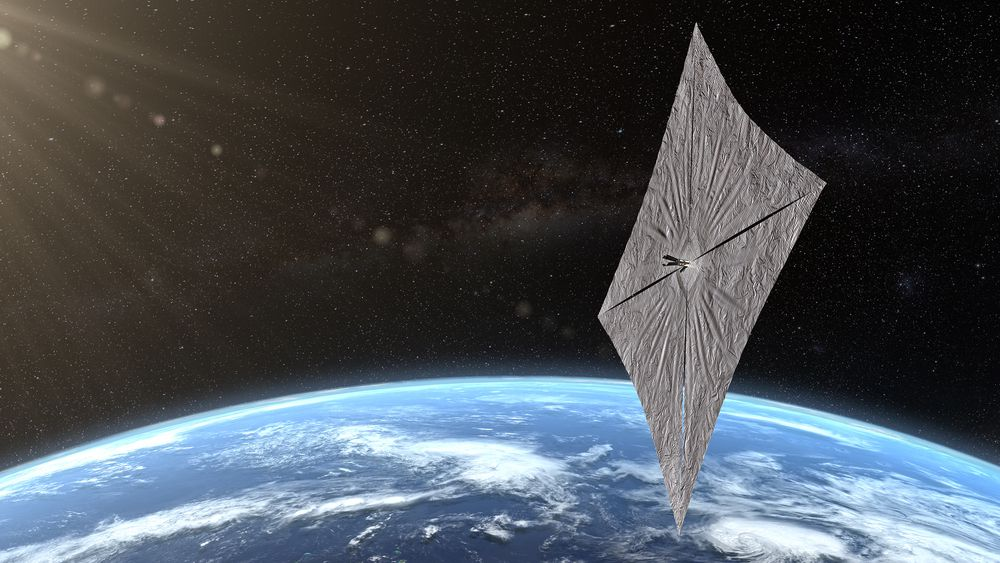 Illustrasjon: Slik forestiller Planetary Society seg at det kommer til å se ut når solseilet har foldet seg ut. SpaceX-CEO Elon Musk hevder tirsdagens oppskyting blir den mest kompliserte i selskapets historie, ifølge The Verge.