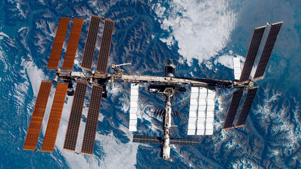 Etter 204 dager på Den internasjonale romstasjonen landetaustronautene Anne McCLain fra USA og canadiske David Saint-Jacques, samt den russiske kosmonauten Oleg Kononenko trygt på jorden tirsdag morgen.