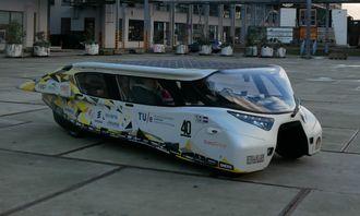 Solbilen Stella Lux ble utviklet av et lag fra universitetet i Eindhoven, som senere utviklet solbilen Lightyear One.