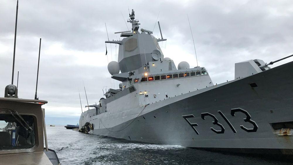 Sjøforsvaret betaler 30.000 kroner per døgn for å leie kaiplass til fregatten KNM Helge Ingstad.