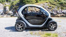 Renault Twizy har plass til fører og en passasjer.