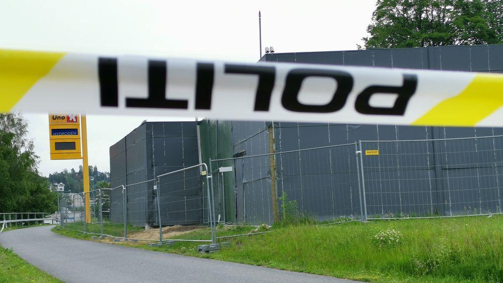 f03d5405 Mandag ettermiddag 10. juni førte en hydrogenlekkasje til eksplosjon i  Uno-X-stasjonen