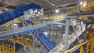 Nytt anlegg for sentralsortering i Stavanger: Nå går både plast og metall rett i «bosset»