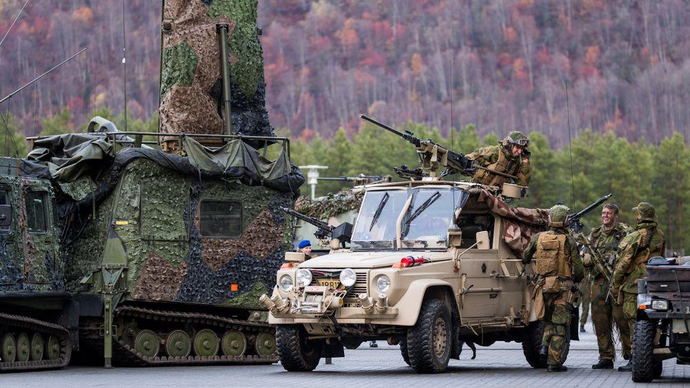MB-feltvogn og Arthur-radar fra lokaliseringsbatteriet i Artilleribataljonen.
