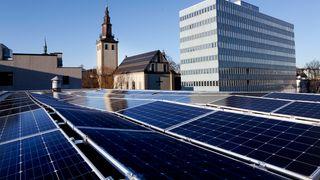 Solenergi vokser voldsomt: Tripler antall ansatte og banker omsetningsrekorder