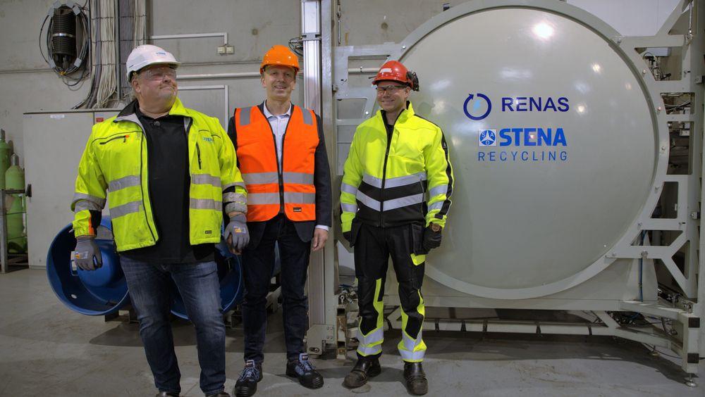 Knut Sælid, Bjørn Arild Thon og Ole Erik Sønsterud ved SF6-tappeanlegget hos Stena Recycling.