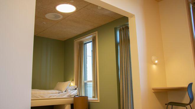Bli med inn på psykiatrisk avdeling designet med dagslys: Dette er menneskeorientert belysning