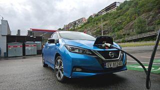 Test: Vi fikk så vidt over halvparten av oppgitt ladehastighet på nye Nissan Leaf