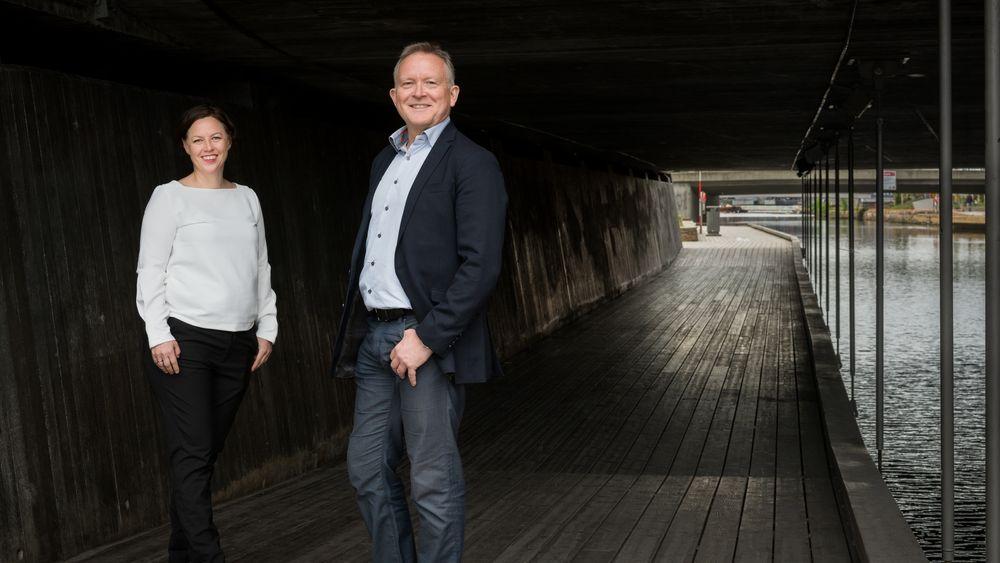 Fagsjef Karin Yrvin og direktør Øyvind Solberg Thorsen i Opplysningsrådet for veitrafikken (OFV).