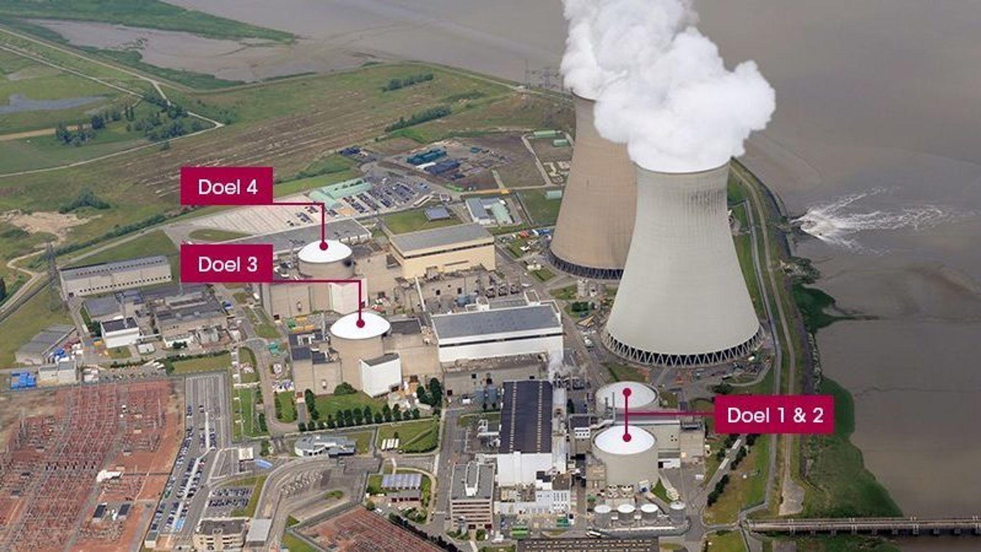 Oversikt over kjernekraftverkene som Belgia har fått refs for: Doel 1 og 2 til høyre i bildet.