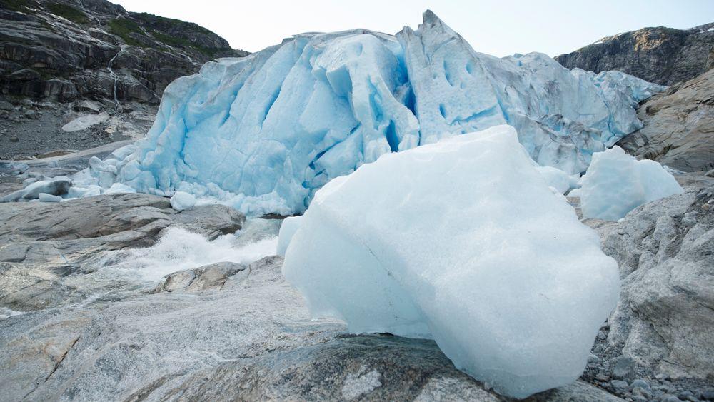 Flere norske isbreer står i fare for å forsvinne dersom temperaturene fortsetter å stige. Avbildet her er Nigardsbreen, som er en brearm av Jostedalsbreen.