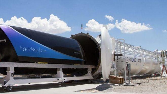 Saudi-Arabia bygger hyperloop: Her skal du kunne kjøre i 1200 km/t