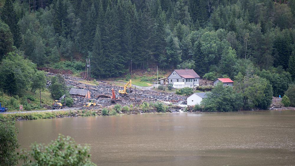 I Movika raste det  natt til onsdag store mengder da det kom enorme vannmengder.