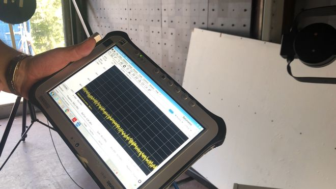 Nettbrett som viser radiostråling.