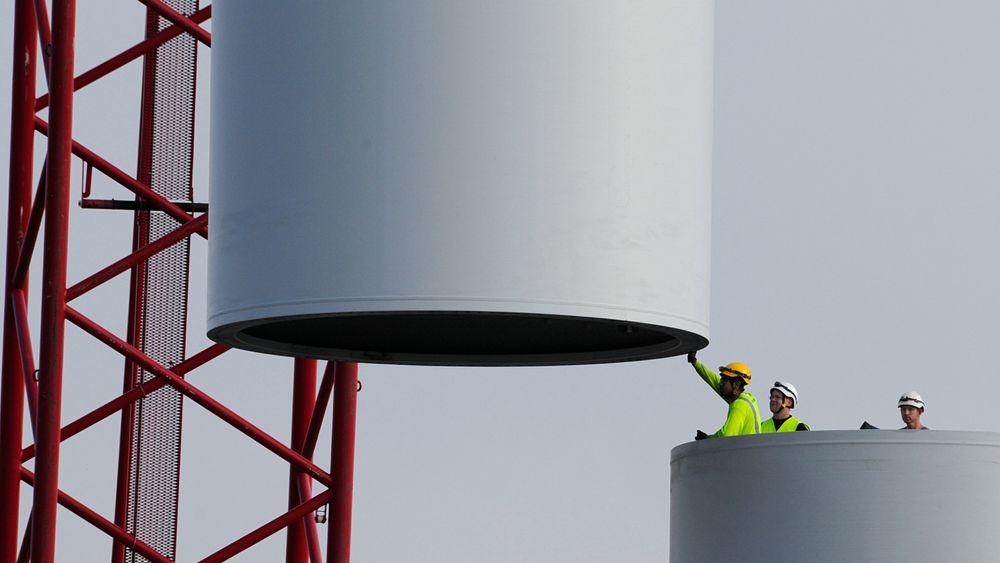 Flest svarer at de er positive til vindmøller i ny undersøkelse, men kun dersom de ikke er synlige i tur- og boligområdet.