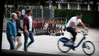 – Når du har 7 utleiere, og alle skal ha elsparkesyklene tilgjengelig på hvert gatehjørne, blir det veldig mange sykler