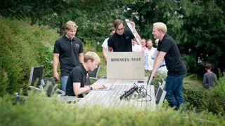 Studenter fikk prøve seg på et hittil uløst problem da de hadde sommerjobb hos drone-giganten