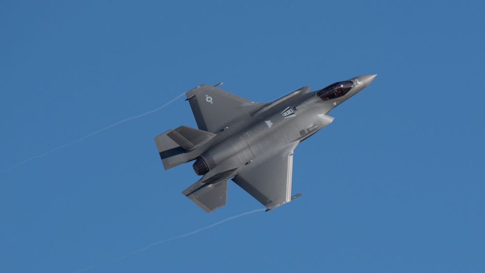 En F-35A flyr over Hill Air Force Base i Utah.