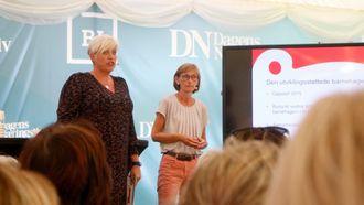 Som en innledning til debatten var Gudrun Skancke Eriksen og Birthe Holm fra Sandnes-satsingen Den utviklingsstøttende barnehagen.
