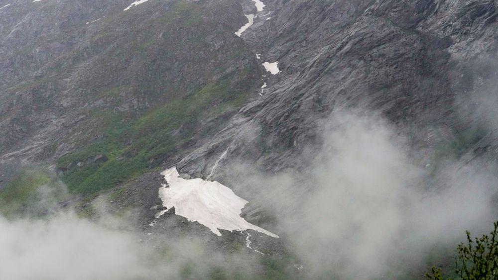 Beboerne under det ustabile fjellpartiet mannen har blitt evakuert en rekke ganger.