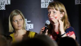Guri Melby (V) og Ingelin Noresjø (Krf) deltok i debatten om Barnas verneombud.