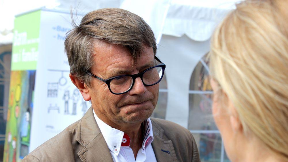 Professor ved Handelshøyskolen BI, Torger Reve, er en av forfatterne bak en ny havbruk-rapport på oppdrag fra og finansiert av Sjømat Norge. Den kommer med dystrere utsikter enn det Sjømat Norge har lagt opp til i sin strategi.