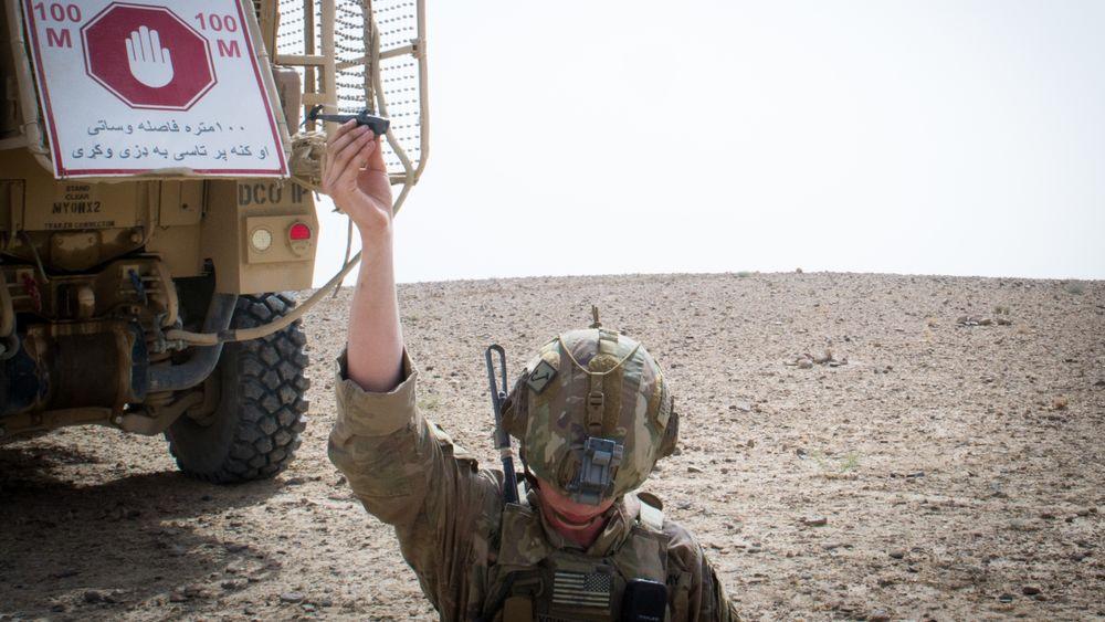 Black Hornet-drone sendes ut av fallskjermsoldat sør for Kandahar 8. august.