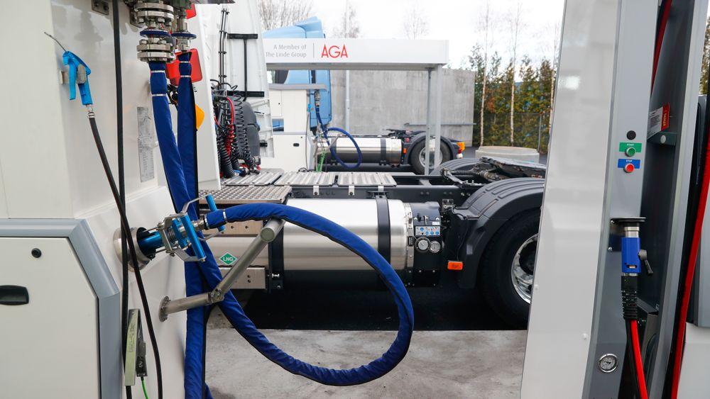 Norges første fyllestasjon for flytende biogass som drivstoff til tungtransport åpnet på Furuset i Oslo i 2018.