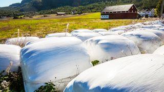 Hvert år blir 2.000 tonn landbruksplast ikke levert til retur