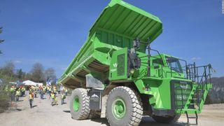 El-giganten frakter 65 tonn stein, sparer 50.000 liter diesel i året og må knapt lades