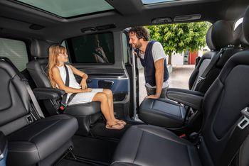 Mercedes-Benz kaller EQV for den første skikkelige premium-MPVen. Interiøret skal kunne fås med seks, sju eller åtte seter.