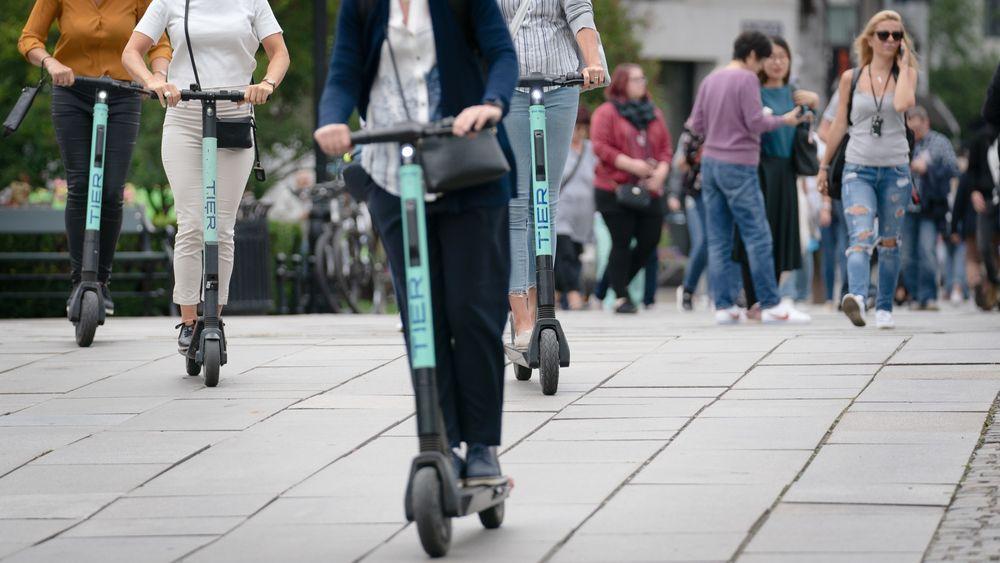 Elsparkesykler er blitt et svært populært fremkomstmiddel. her fra Oslo sentrum.