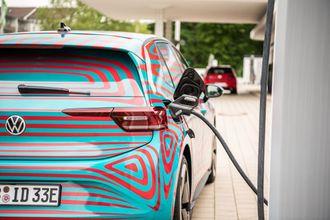 Toppmodellen av ID.3 vil ha hurtiglading på inntil 125 kW, og rekkevidde på 550 km.