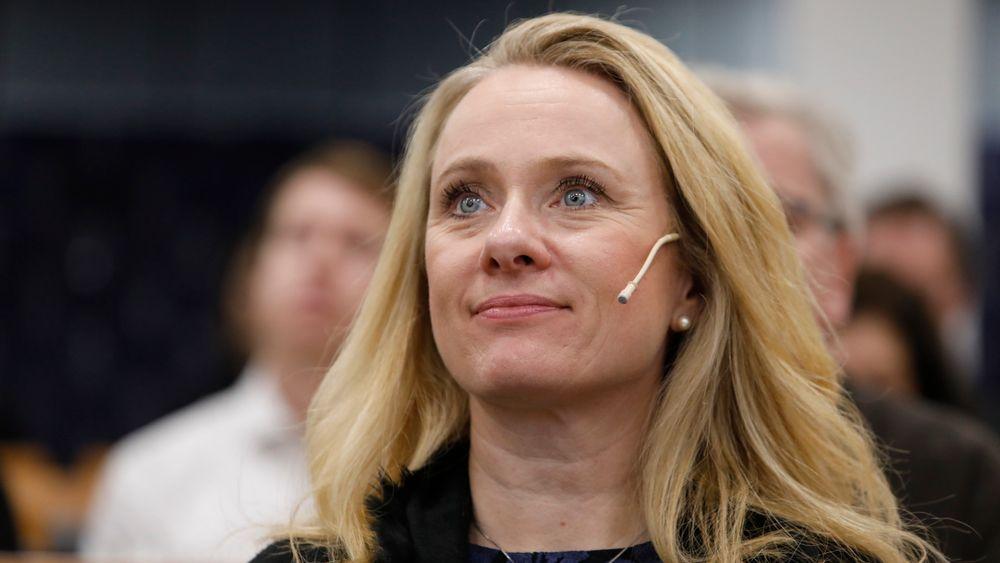 Arbeidsminister Anniken Hauglie har satt ned et utvalg som skal ta for seg rammeverket for tilknytning og virksomhetsorganisering i arbeidslivet.