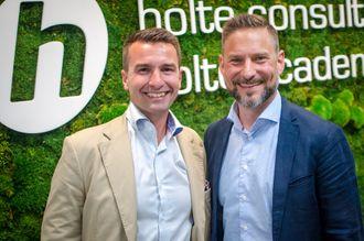 Trygve Sagen, styreleder i Holte Consulting og Gunnar Heesch Holmen, administrerende direktør.
