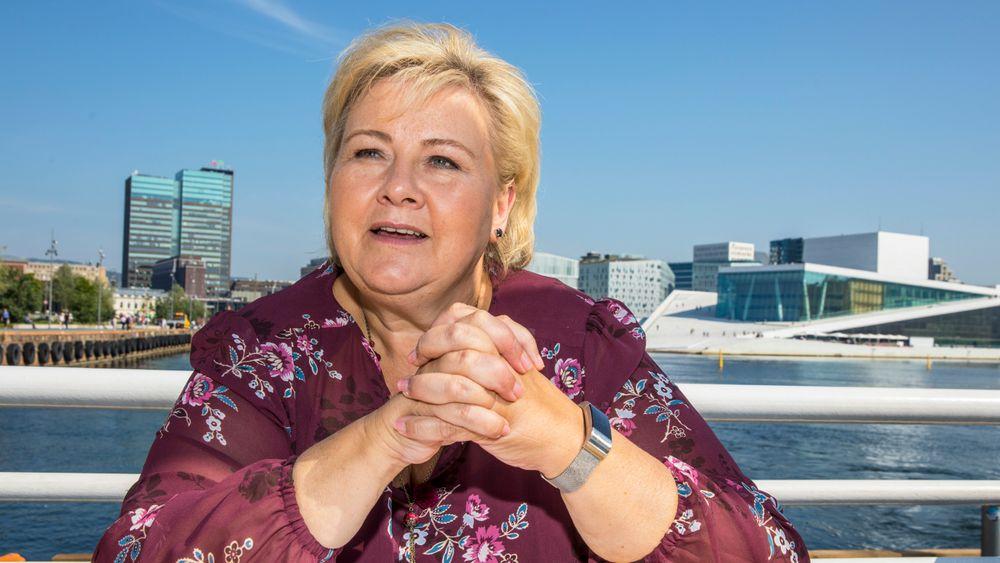 Med bompengestriden parkert, er statsminister og Høyre-leder Erna Solberg omsider klar for å brette opp kjoleermene og drive valgkamp. Hun håper en liste på åtte løfter skal overbevise velgerne, blant dem et løfte om egne klimaplaner i alle Høyre-styrte kommuner.