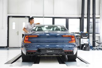 De første kundene vil få sin Polestar 1 før nyttår, ifølge fabrikken.