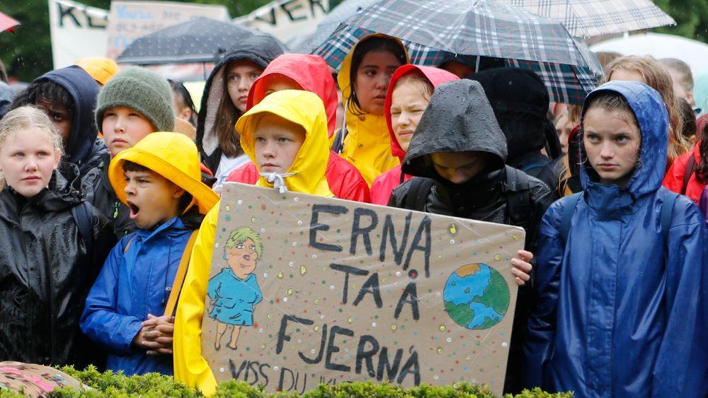 Fredag er det ventet 150.000 til Klimabrølet rundt om i Norge, 100.000 bare i Oslo. Her fra en klimastreik foran Stortinget 23. mai.