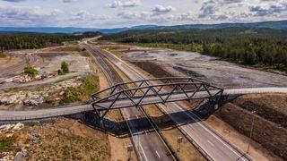 E134 gjennom Kongsberg har vært av landets mest ulykkesutsatte. Nå skal veien gå under og rundt