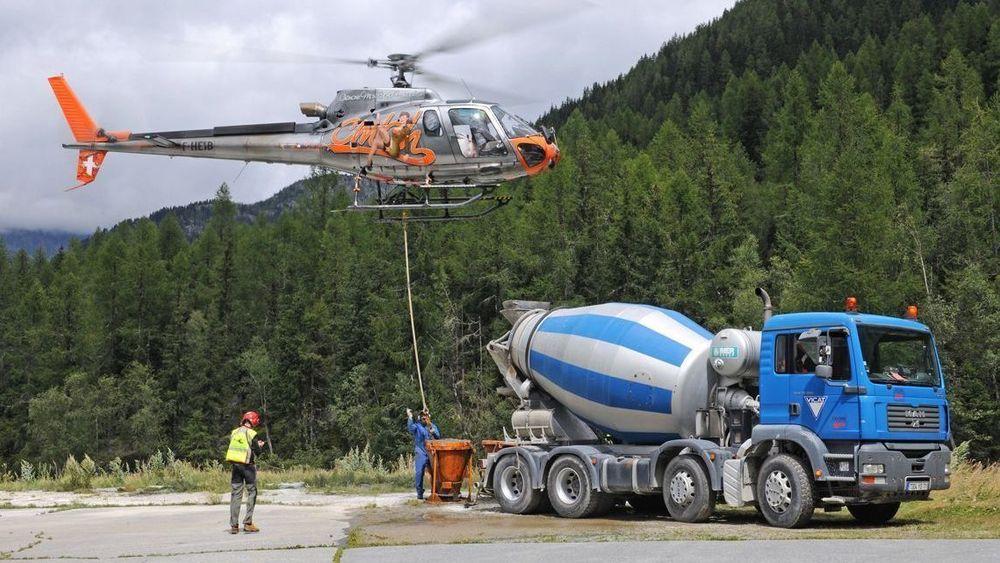 H125 er en arbeidshest som brukes til arbeidsflyging over hele verden. Det er levert rundt 900 eksemplarer.