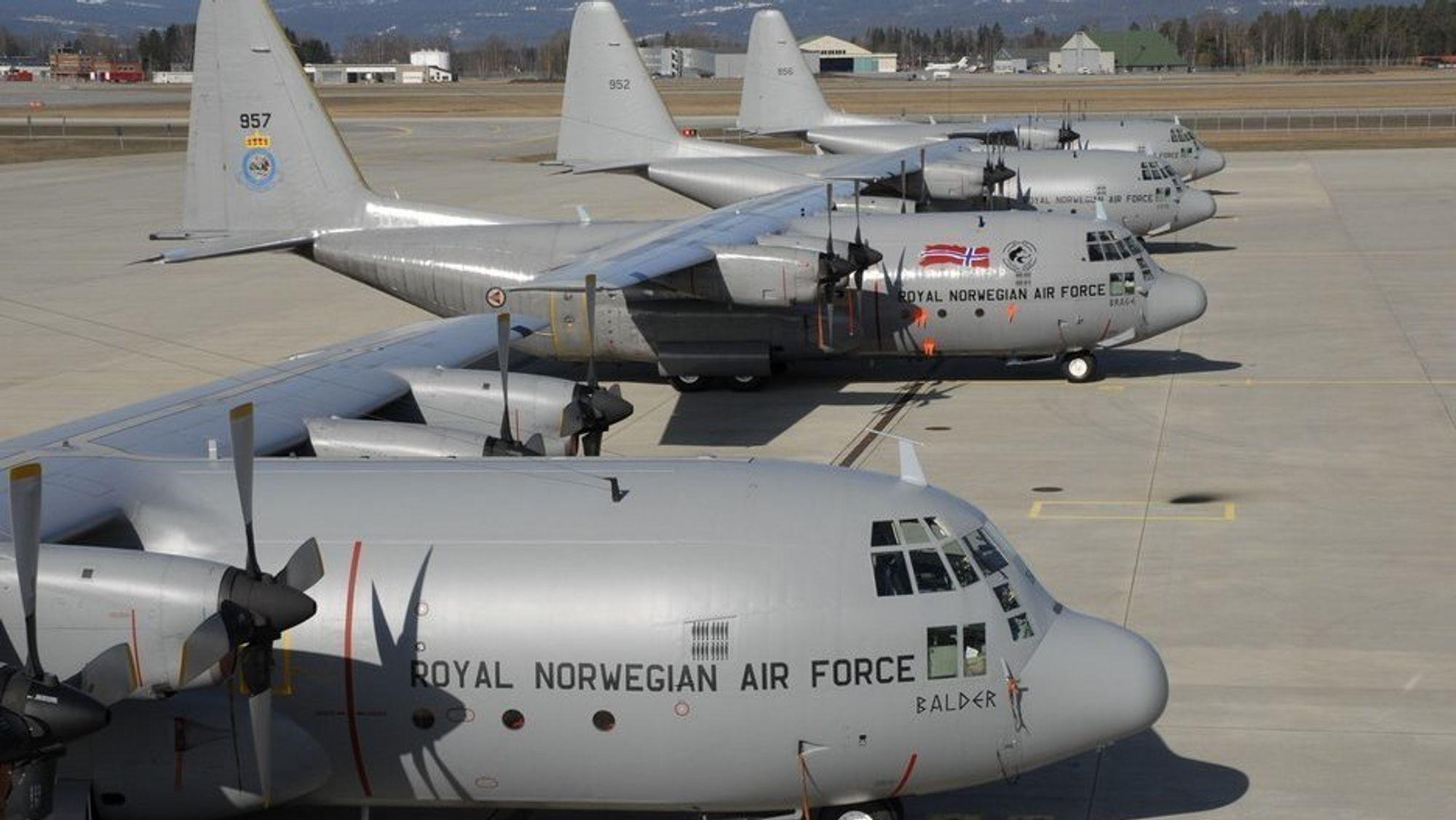 Dette bildet er fra like før de norske C-130H Hercules-flyene forlot Gardermoen for siste gang sommeren 2008.