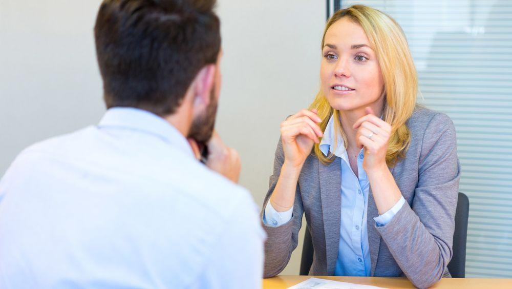 Det er mange versjoner av deg. Du skal være den versjonen av deg selv som mest effektivt overbeviser din kommende arbeidsgiver om at han eller hun skal velge deg.