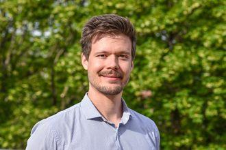 - Med den nye guiden kan både elbilister og nettselskap kan spare mye tid, sier Henrik Kirkeby i PQA.
