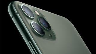 Apples nye flaggskip har tre kameraer på baksiden