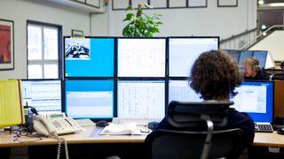 NVE har hacket norske nettselskaper:Ansatte avslører seg gjennom Linkedin, Powerpoint og avisbilder