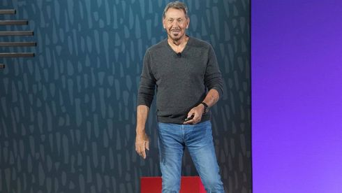 Oracle-sjef Larry Ellison på scenen under OpenWorld 2019.