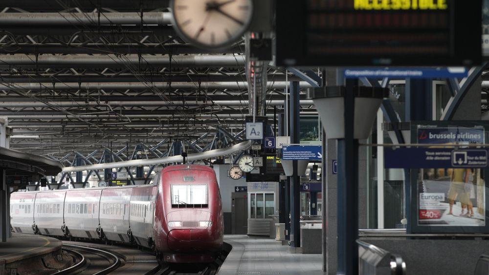 Et Thalys-tog på Brussel Midi-stasjonen.